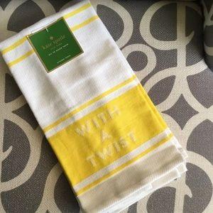 "Kate Spade Daffodil ""WITH A TWIST"" Towel Set"